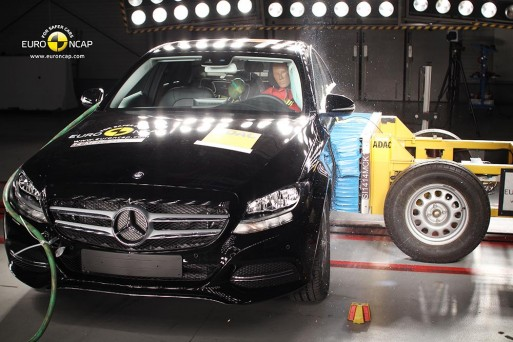 euroncap-crash-test-mercedes-benz-c-class-2014