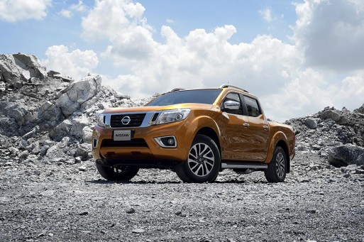 nissan-navara-2015-the-he-12